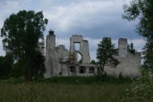 Ruiny zamku Kmitów w Mokrsku Dolnym
